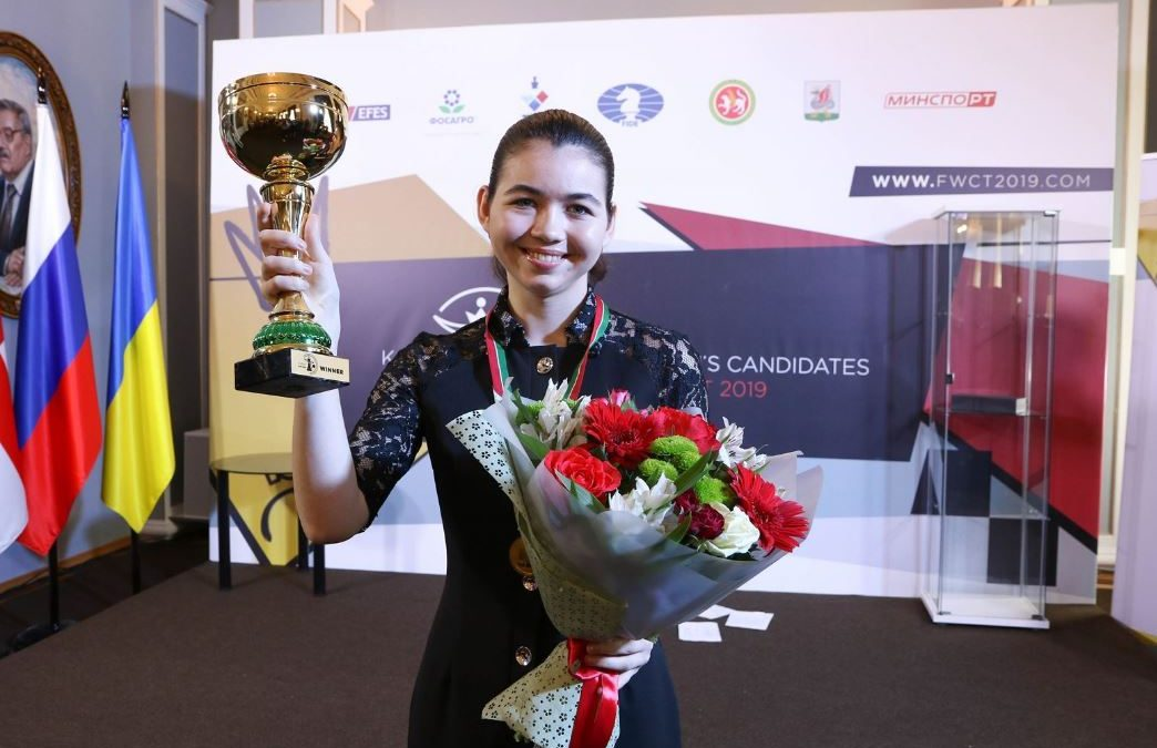 Celebration! Russia's Aleksandra Goryachkina vs China's Ju Wenjun for 2019 Women's Chess Title!