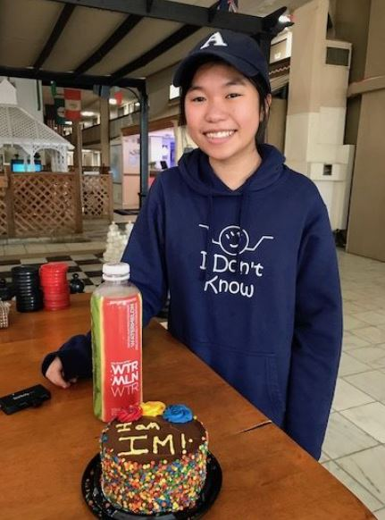 Cariss Yip is an IM with cake November 2019