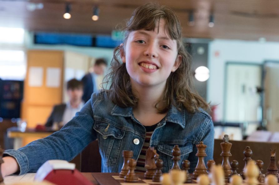Eline! – She's Netherlands' first World Chess Champion!