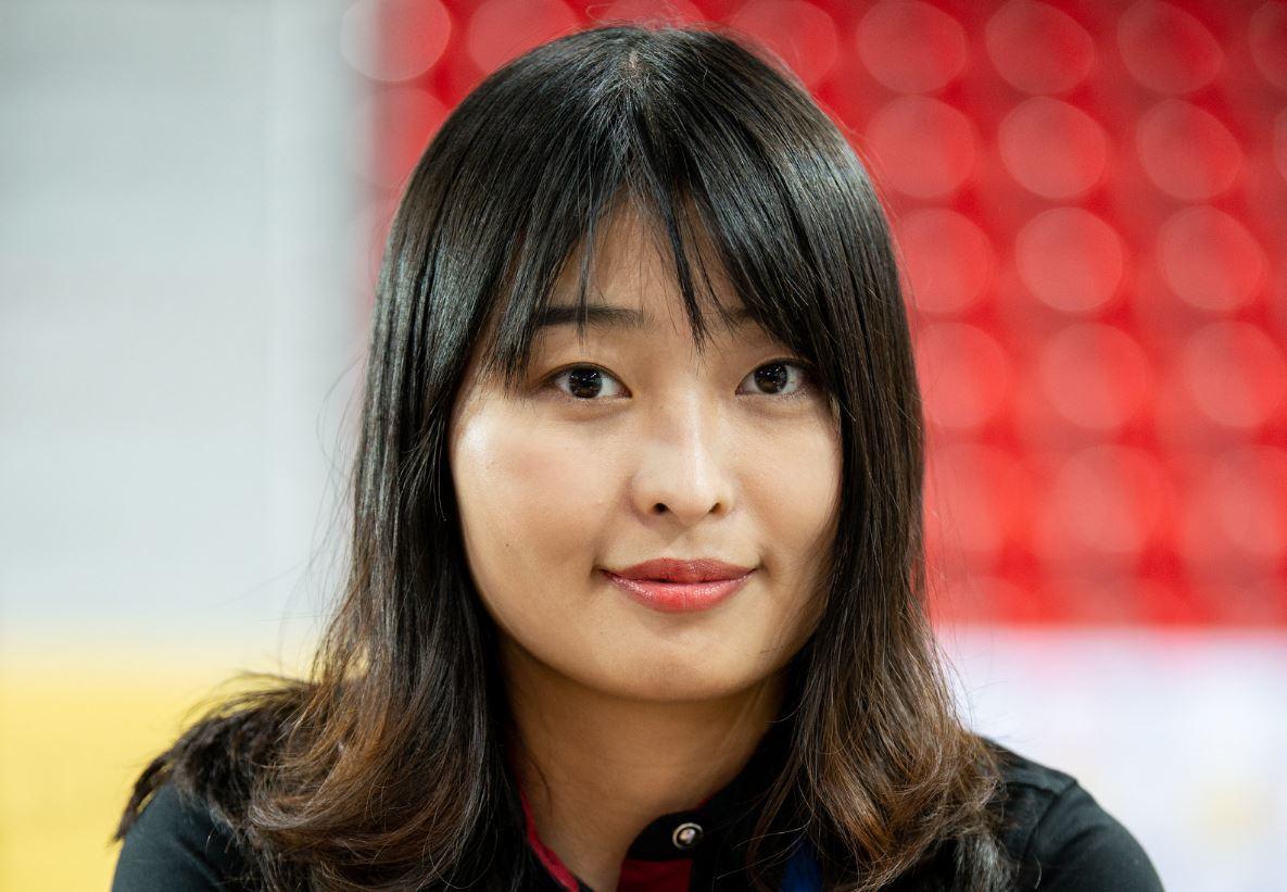 Game 9 Ju Wenjun smiles at 2020 Women's World Chess Championship