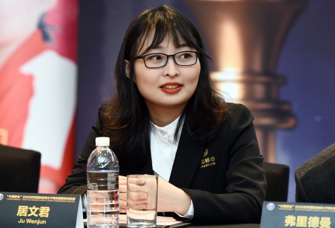 Ju Wenjun in black blazer over white blouse at Opening Ceremony 2020 Women's World Chess Championship