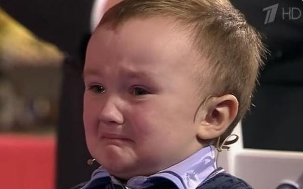 Misha Osipov 3 years old crying after losing to Anatoly Karpov.