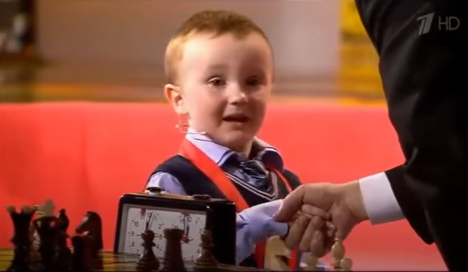 Misha Osipov 3 years old shakes hands after losing