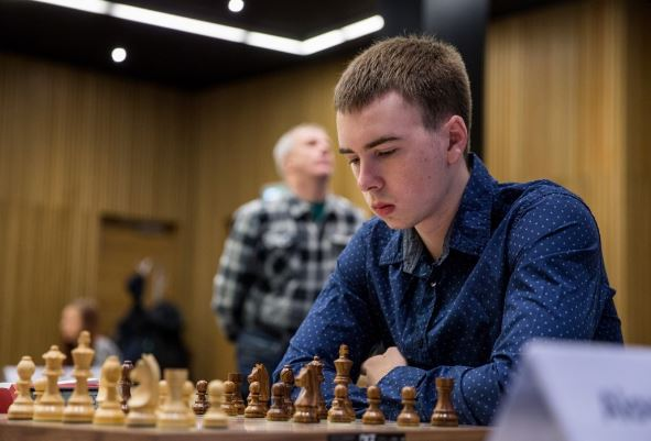 Ottomar Ladva at chessboard
